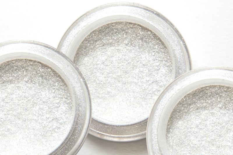 pixabe-srebro-w-kosmetykach