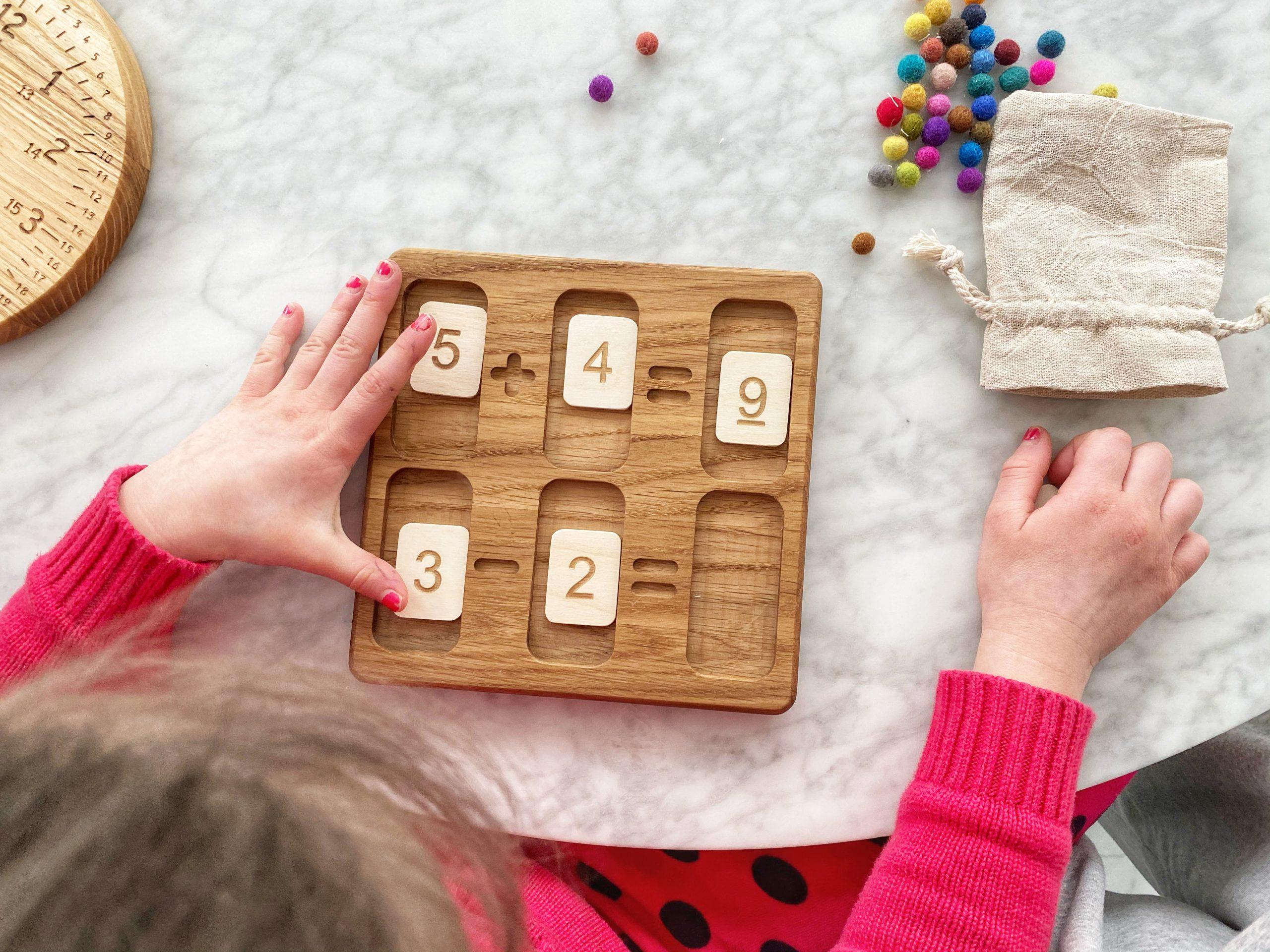 zabawki-edukacyjne-dla-dzieci-drewniane