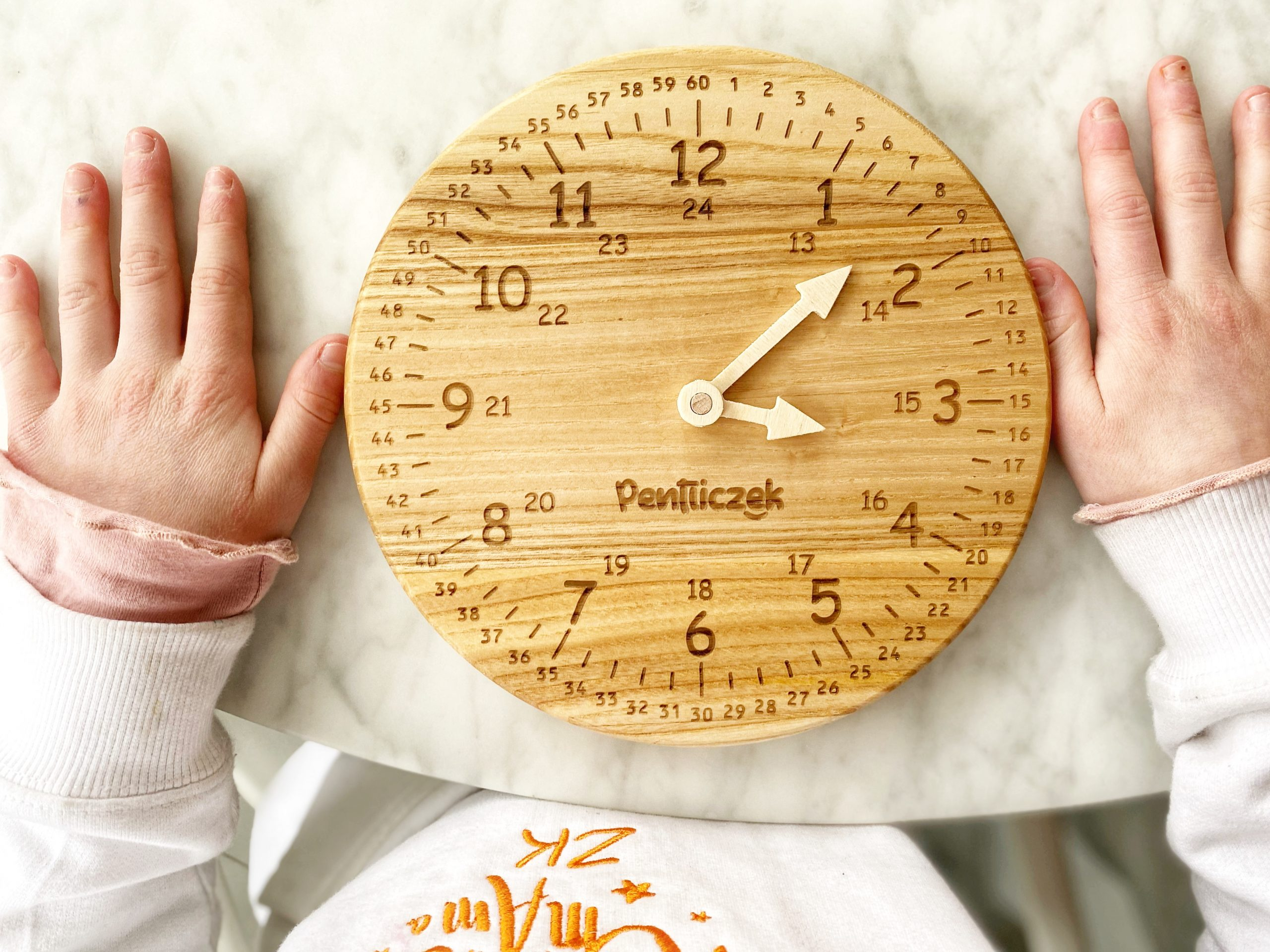 drewniany-zegar-do-nauki-godzin